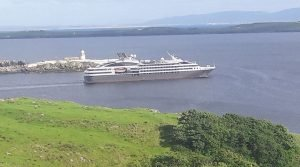 Killybegs-holiday-park-view-cruise-liner